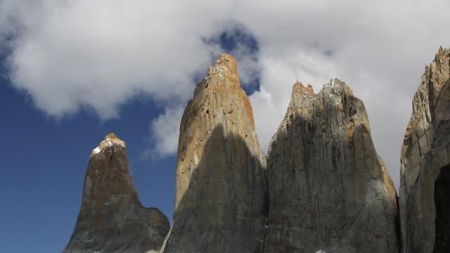 the paine towers in torres del paine national park, patagonia, chile. - tornspira bildbanksvideor och videomaterial från bakom kulisserna