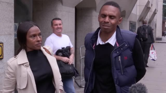the parents of quamari serunkuma-barnes give a statement outside the old bailey, after the 15-year-old who murdered their son, is given a 14-year... - 14 15 years stock videos & royalty-free footage