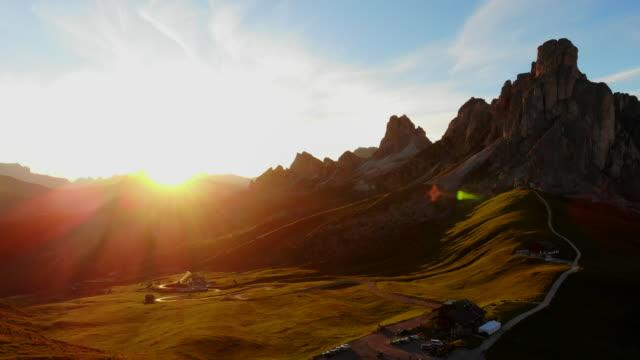 the passo di giau, dolomites mountains - alto adige italy stock videos & royalty-free footage
