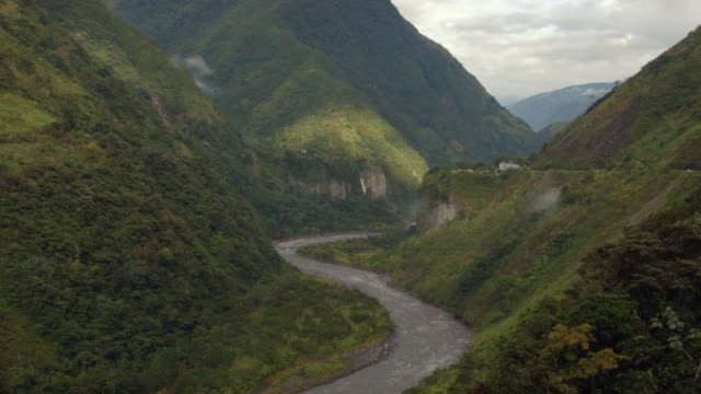 the pastaza river flowing through a steep gorge in the amazonian foothills of the andes in ecuador - ecuador stock-videos und b-roll-filmmaterial