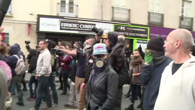 the policeman who threw a grenade that killed french student remi fraisse during an environmental protest last year has been arrested a prosecutor... - procuratore video stock e b–roll
