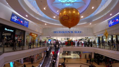 stockvideo's en b-roll-footage met the popular shopping mall is decorated for the christmas season. the famous place is one of the busiest malls in the canadian city - shopping centre