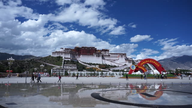 the potala palace in lhasa, the largest and most complete ancient palace complex in tibet, is now a museum and listed on unesco world heritage site. - tibet stock videos & royalty-free footage