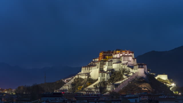 der potala-palast, tibet, china - buddhismus stock-videos und b-roll-filmmaterial