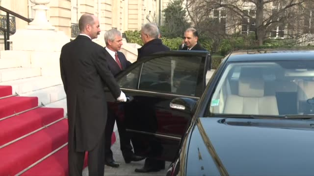 The president of Frances National Assembly Claude Bartolone received the Tunisian Foreign Affairs Minister Taieb Baccouche hours after gunmen killed...