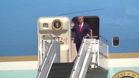 the president of the united states donald j trump and first lady melania trump land at wright-patterson air force base, ohio aug 7, 2019. where the... - donald trump us president stock videos & royalty-free footage