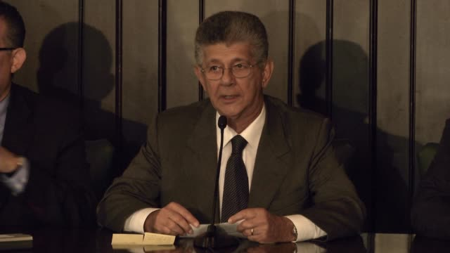 1 WS of the press conference 2 MS of Henry Ramos Allup National Assembly President 3 MS of Henry Ramos Allup talking to a lady 4 SB of Henry Ramos...