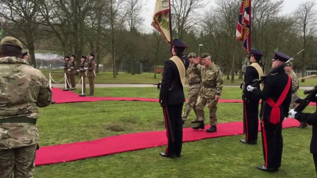 stockvideo's en b-roll-footage met the prince of wales has met one of the newest recruits to the mercian regiment a ram called private derby xxxii charles visited the military base to... - rekruut
