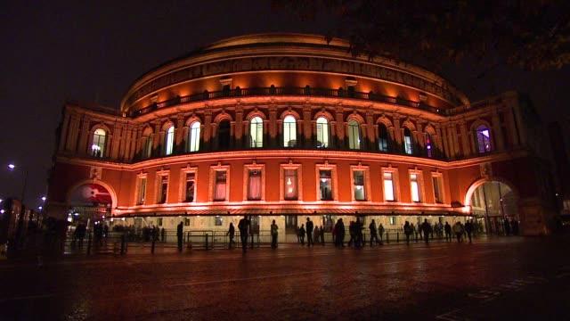 vidéos et rushes de the prince's trust rock gala, the royal albert hall, london - rock moderne