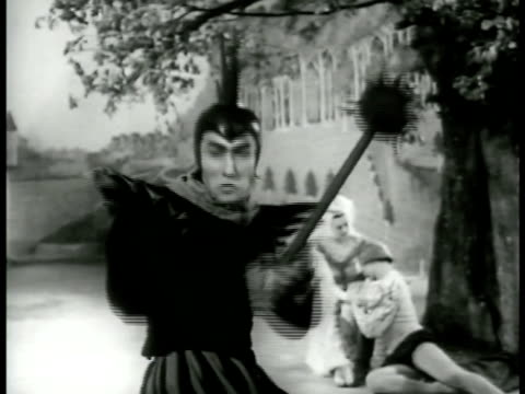vidéos et rushes de the princess is w/ the minstrel when the knight of sorrowful countenance ballet dancing into courtyard the knight challenges minstrel to duel - 1952