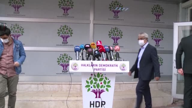 stockvideo's en b-roll-footage met the pro-kurdish peoples' democratic party denounces the decision of turkish authorities to detain 19 people including a mayor after issuing 82 arrest... - clean