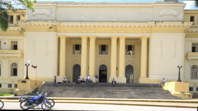 vídeos y material grabado en eventos de stock de the provincial palace of justice is known in the city as 'la audiencia' all major and difficult cases are judged in this building that includes human... - lugar famoso local