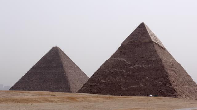 pyramiderna, giza, egypten - pyramid bildbanksvideor och videomaterial från bakom kulisserna