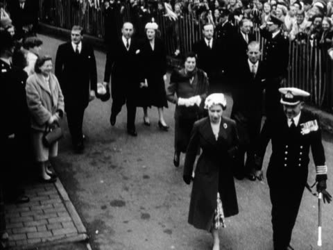 The Queen and Prince Philip arrive at St Albans Abbey for the traditional Maundy service 1957 ROTA