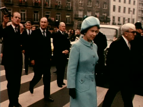 the queen and prince philip walk to bbc broadcasting house to tour a new exhibition on broadcasting 1972 - 1972 stock videos & royalty-free footage