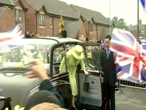 The Queen arrives at Scunthorpe as part of her Golden Jubilee tour