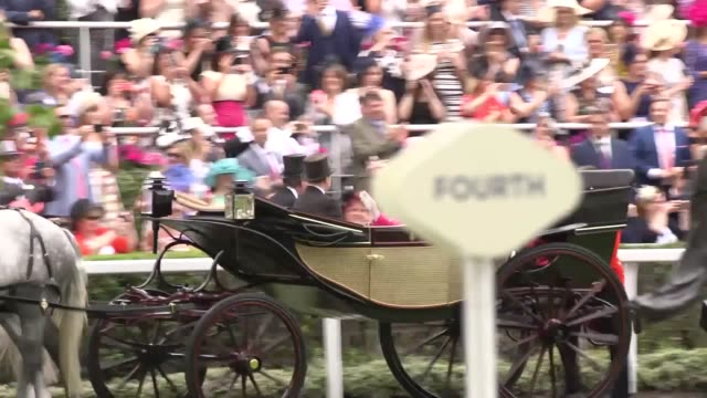 the queen attends ladies day at royal ascot accompanied by the duke of york, the princess royal, princess beatrice and zara tindall . - イギリス アスコット競馬場点の映像素材/bロール