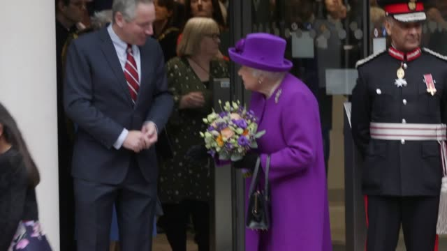 the queen departs the royal national ent hospital and the eastman dental hospital in central london where she has officially opened a major new... - arts culture and entertainment stock videos & royalty-free footage