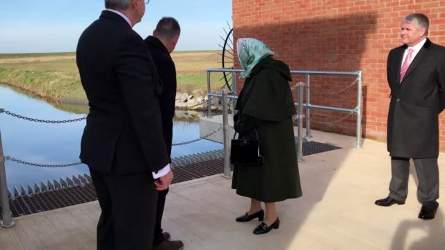 the queen recalled where her father king george vi used to walk his corgis on sandringham as she opened a new pumping station on the estate. she... - ポンプ場点の映像素材/bロール