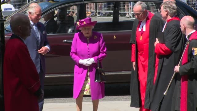 vidéos et rushes de the queen the prince of wales at westminster abbey on june 08 2018 in london england - monarchie anglaise