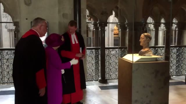 the queen was left impressed and astonished by a new gallery created in the loft space of westminster abbey a major exhibition area has been built... - westminster abbey stock-videos und b-roll-filmmaterial