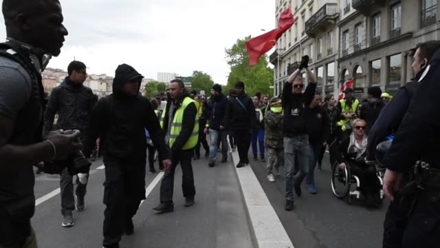 the rally of the yellow vests arrives along the banks of the rhone river after the departure from place bellecour during act xxvi of the... - rhone river stock videos & royalty-free footage