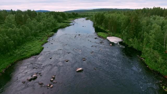 Die Stromschnellen auf den Fluss Halbinsel Kola