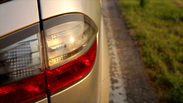 車の後部のライト - 駐車点の映像素材/bロール