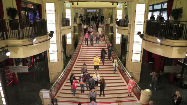 the red carpet stair leading to the newly named dolby theatre home of the 85th academy awards 2013 academy awards preparations at dolby theatre on... - ドルビー・シアター点の映像素材/bロール