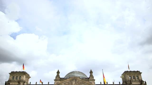 vídeos y material grabado en eventos de stock de el reichstag, en berlín, alemania - centro de berlín