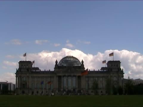 vídeos y material grabado en eventos de stock de el reichstag, en berlín - centro de berlín