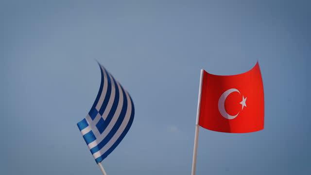ギリシャとトルコ-bロールの関係 - ギリシャ国旗点の映像素材/bロール