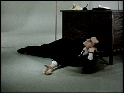 the relaxed wife - 13 of 13 - この撮影のクリップをもっと見る 2468点の映像素材/bロール