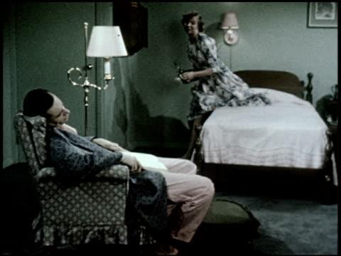 vídeos de stock e filmes b-roll de the relaxed wife - 7 of 13 - veja outros clipes desta filmagem 2468