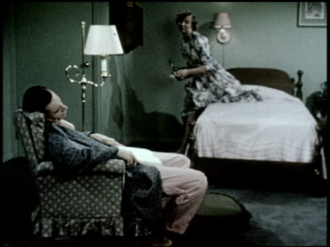 the relaxed wife - 7 of 13 - この撮影のクリップをもっと見る 2468点の映像素材/bロール