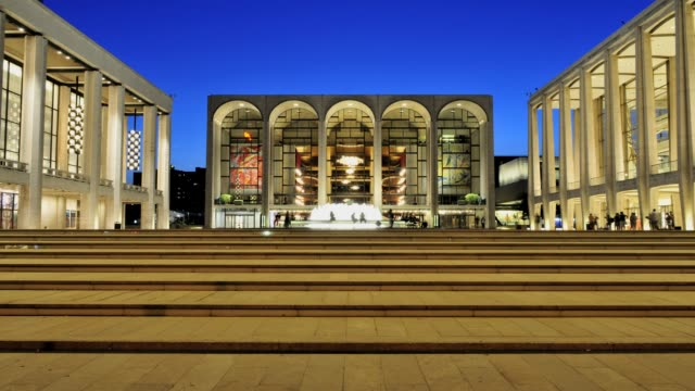 / the renovated lincoln center performing arts center broadway upper west side manhattan new york city usa lincoln center new york city on july 16... - opernhaus stock-videos und b-roll-filmmaterial
