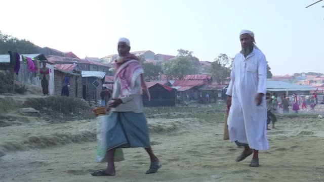 The repatriation of hundreds of thousands of Rohingya Muslims who fled violence in Myanmar will not begin as planned Bangladesh said Monday with...