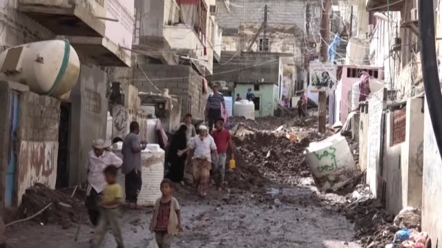 the resident's of crater face destroyed streets and homes in the aftermath of flash floods that hit yemen's aden resulting in dozens of injuries and... - yemen stock videos & royalty-free footage