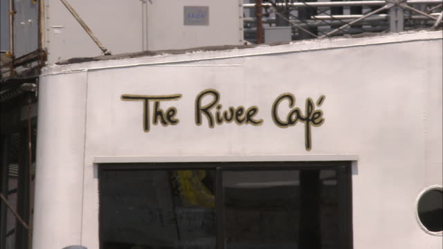 MS, The River Cafe entrance, Brooklyn, New York City, New York, USA