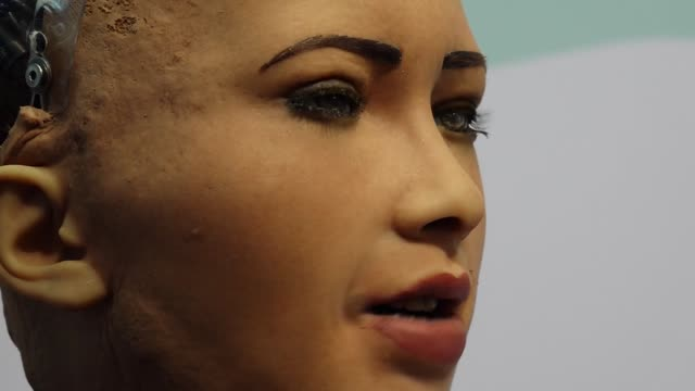 the robot sophia is seen in barcelona during the mobile world congress 2019, on february 26, 2019. it is one of the most sophisticated humanoid... - cyborg stock videos & royalty-free footage