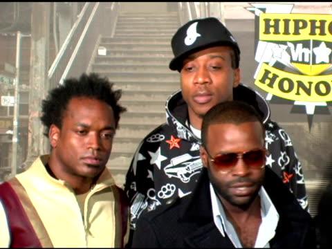 the roots at the 2006 vh1 hip hop honors at the hammerstein ballroom in new york new york on october 7 2006 - hammerstein ballroom bildbanksvideor och videomaterial från bakom kulisserna
