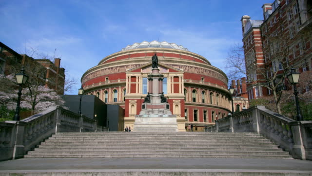 the royal albert hall kensington  london - royal albert hall点の映像素材/bロール
