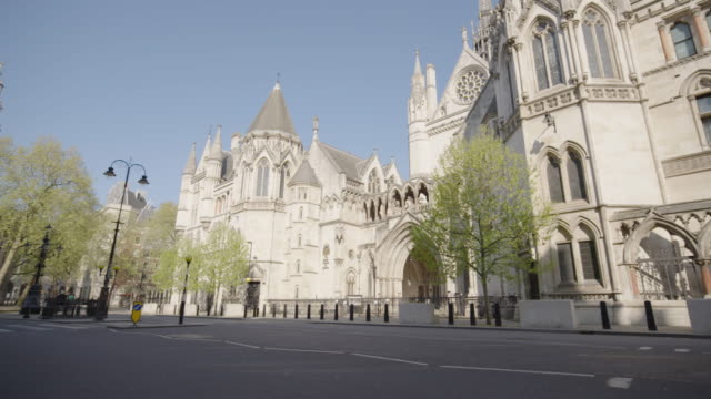 the royal courts of justice - empty london in lockdown during coronavirus pandemic - royal courts of justice stock videos & royalty-free footage