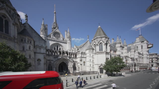 the royal courts of justice, london. from a high angle viewpoint. - courthouse stock videos & royalty-free footage