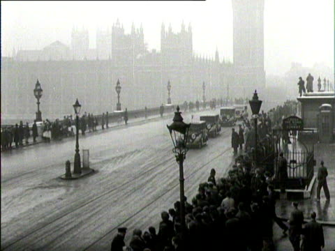 the royal motorcade travels over westminster bridge london - westminster bridge stock-videos und b-roll-filmmaterial