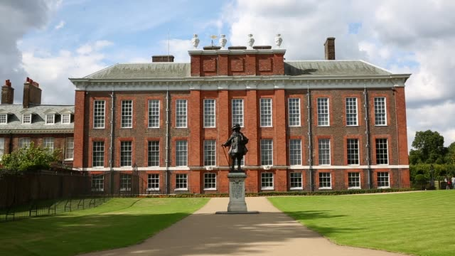 ls the royal residence of kensington palace in kensington gardens on august 22 2014 in london england - kensington palace video stock e b–roll