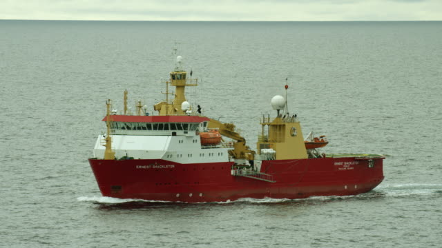 the rrs ernest shackleton at sea - nautical vessel stock videos & royalty-free footage
