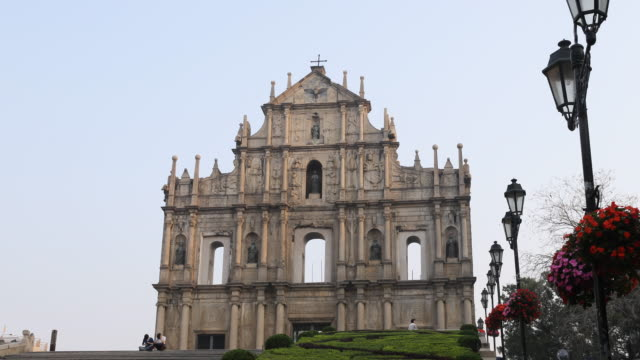 the ruins of st paul's refers to the ruins of a 16thcentury complex in macau including of what was originally st paul's college and the church of st... - apostle bildbanksvideor och videomaterial från bakom kulisserna