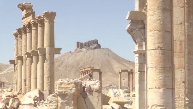 stockvideo's en b-roll-footage met the russian backed syrian army ousted the islamic state group from palmyra on sunday at the climax of a three week offensive - isis
