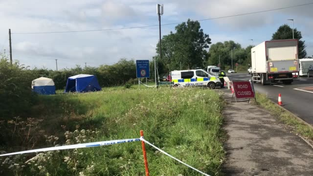 the scene on saturday morning at the crossroads of ufton lane and lambdens hill near to the village of sulhamstead berkshire ten people remain in... - newbury west berkshire stock-videos und b-roll-filmmaterial
